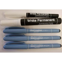 Essential Pens Black and White